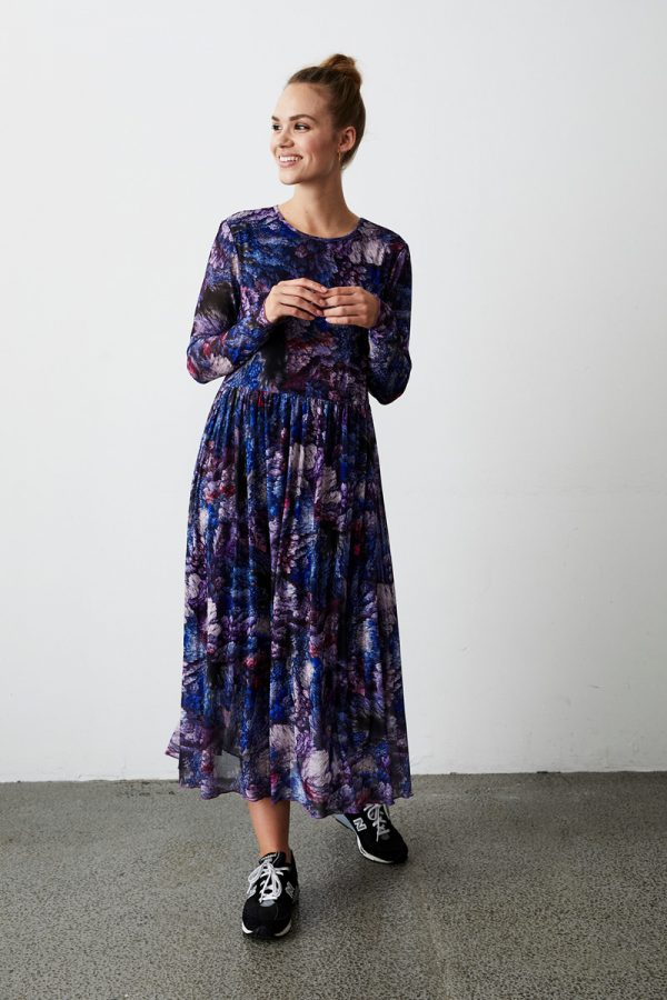 Langes Kleid in Blau